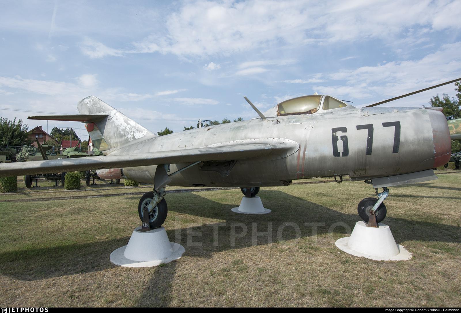 677 - Mikoyan-Gurevich MiG-15bis Fagot - Hungary - Air Force