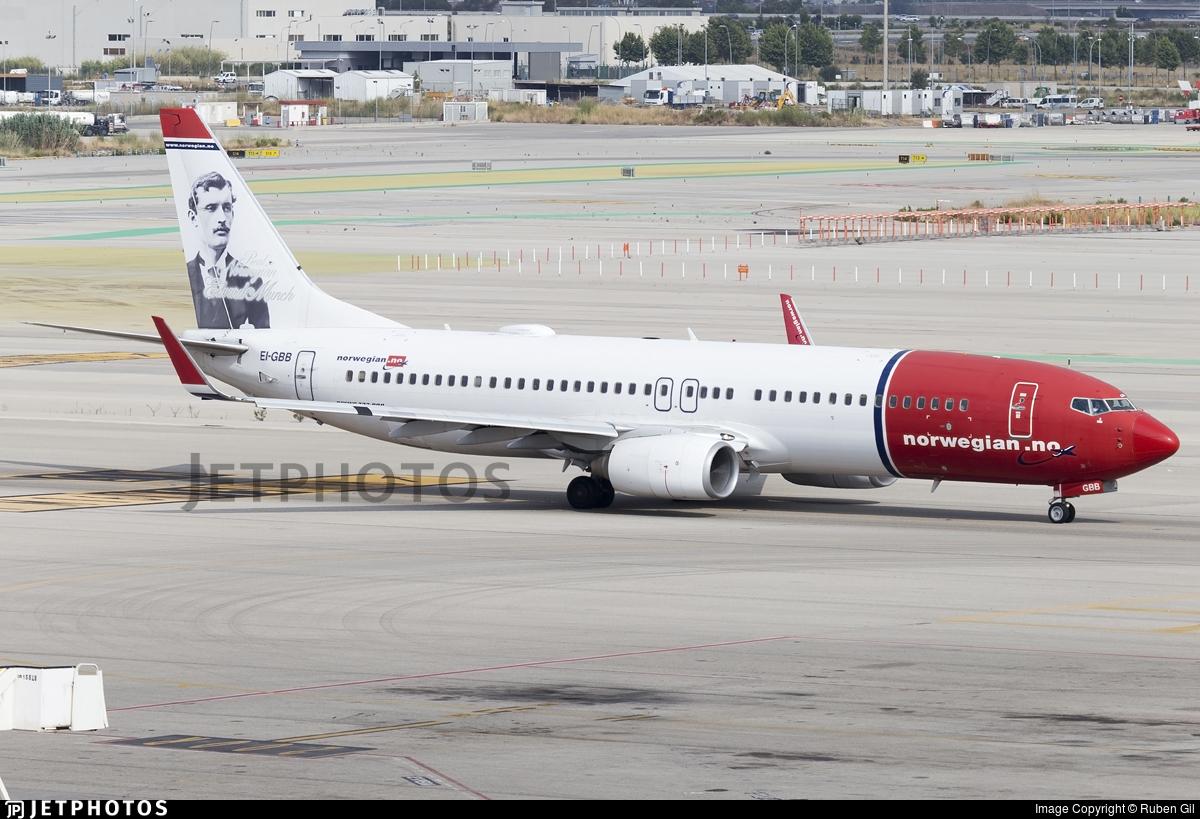 EI-GBB - Boeing 737-86N - Norwegian