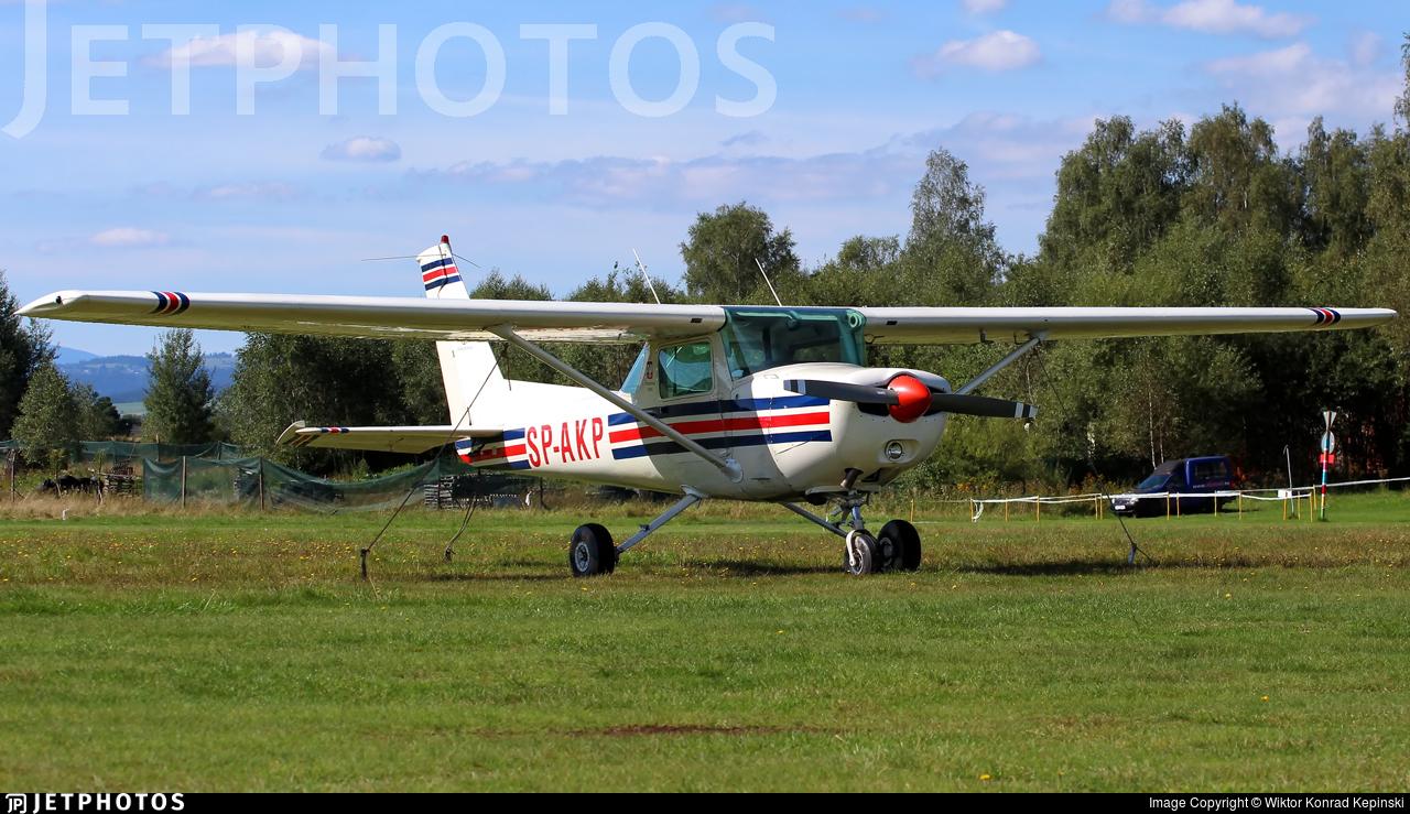 SP-AKP - Cessna 152 - Private