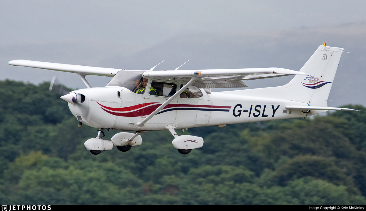 G-ISLY - Cessna 172S Skyhawk SP - Private