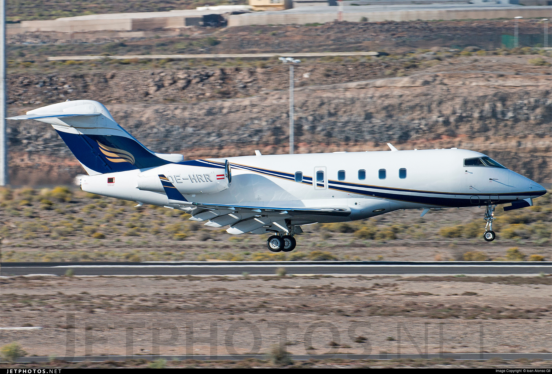 OE-HRR | Bombardier BD-100-1A10 Challenger 300 ...