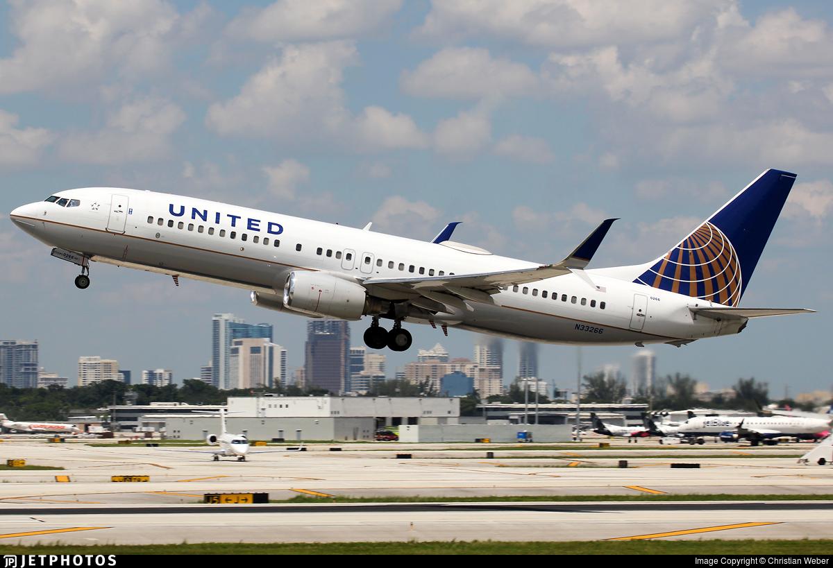 N33266 - Boeing 737-824 - United Airlines