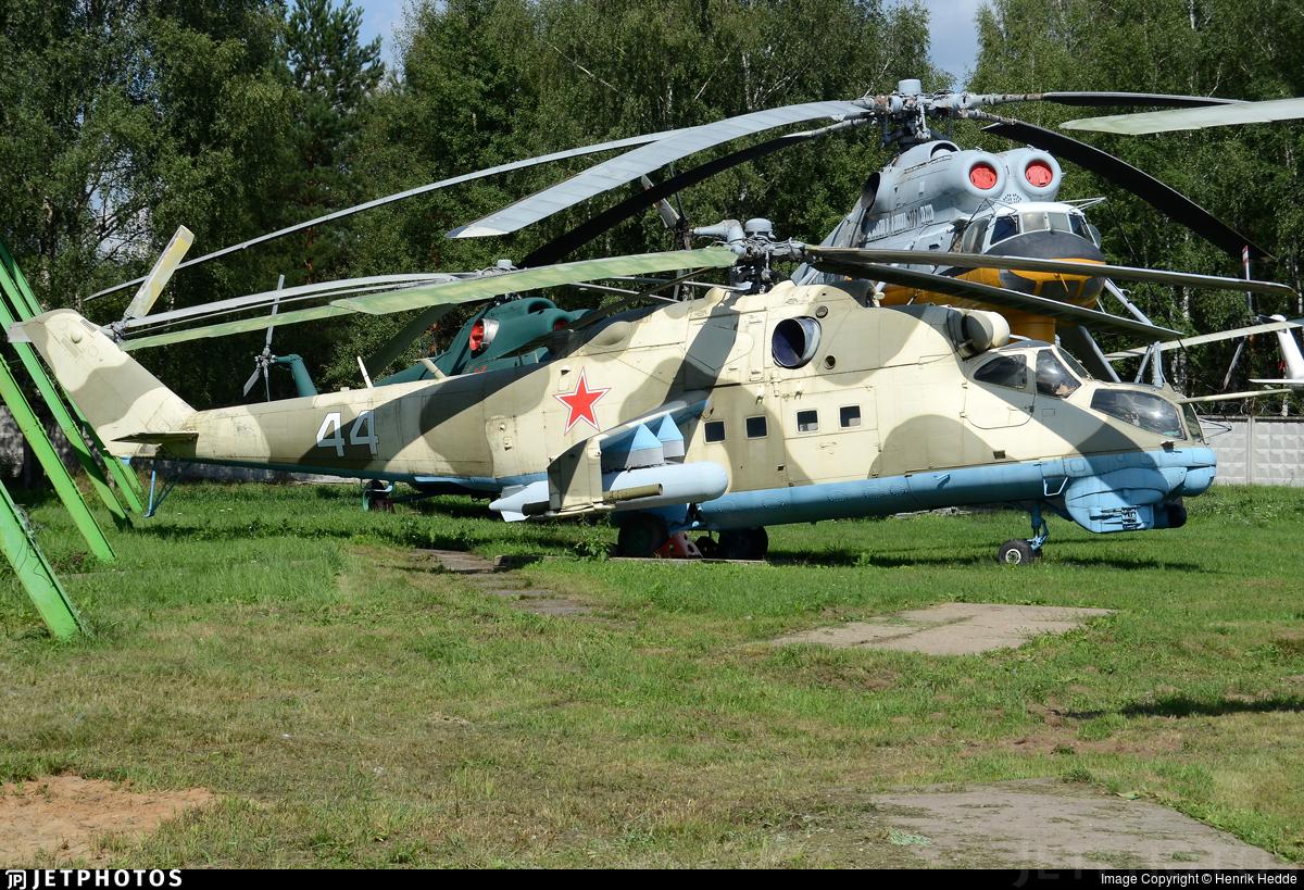 44 - Mil Mi-24V Hind E - Russia - Army