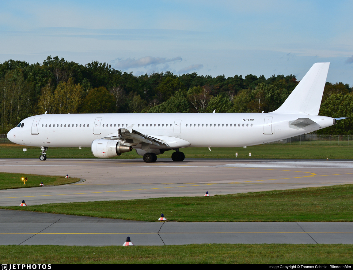 YL-LDB - Airbus A321-211 - SmartLynx Airlines