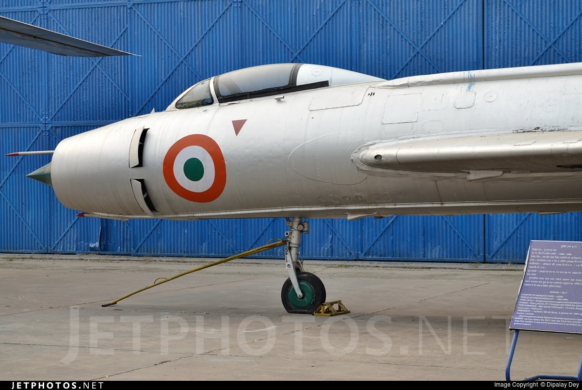 B888 - Sukhoi Su-7BM Fitter A - India - Air Force
