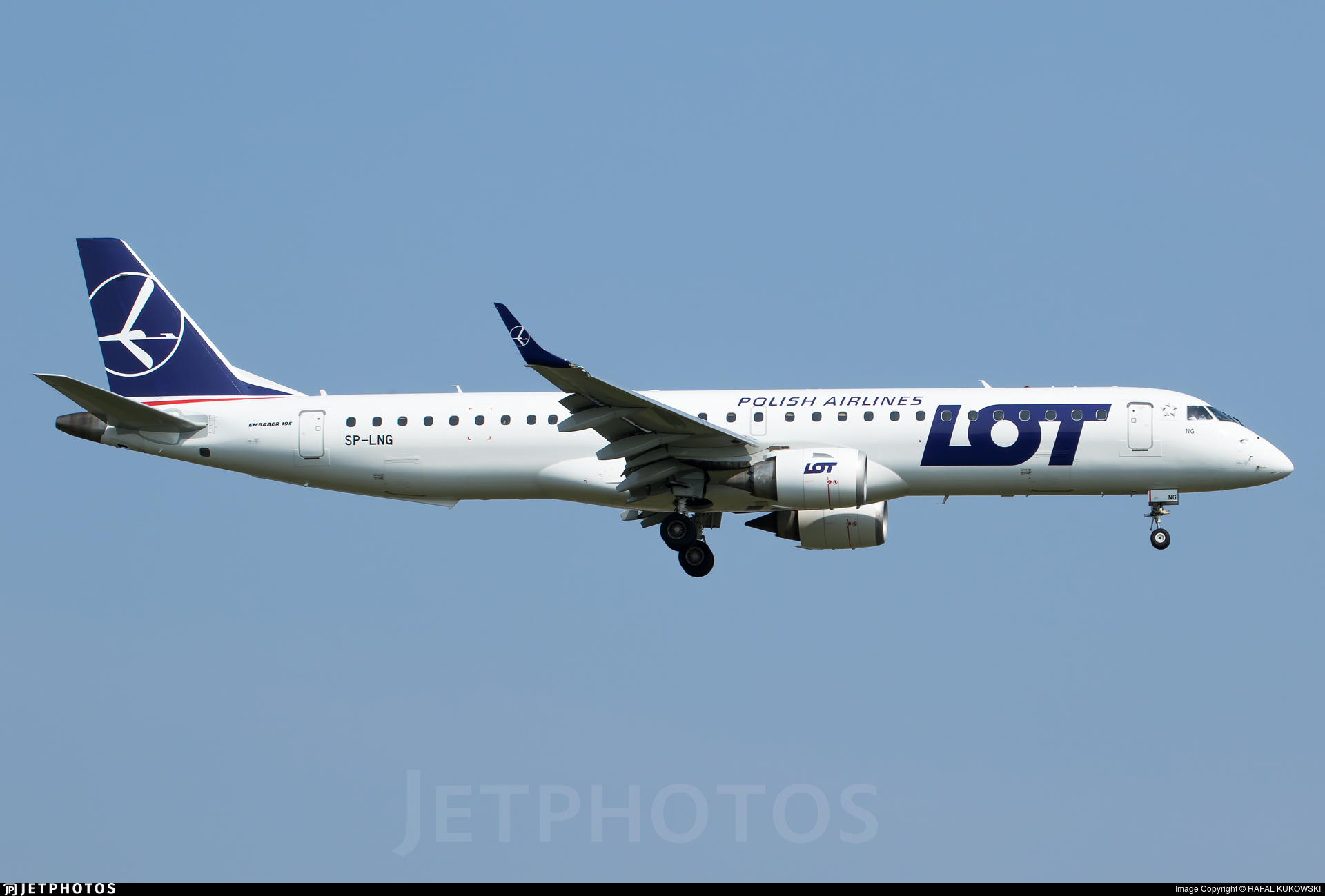 sp lng embraer 190 200igw lot polish airlines rafal kukowski