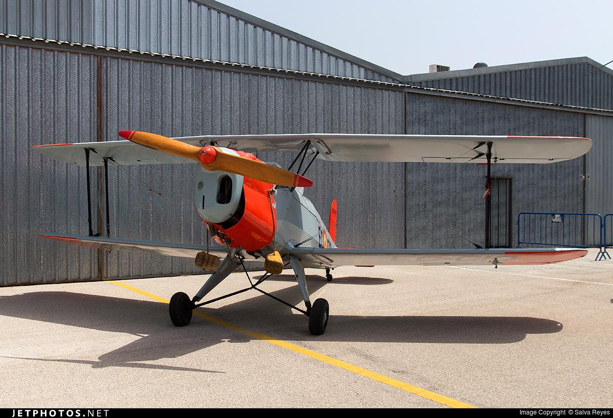 EC-GIQ - CASA 1.131E Jungmann - Private
