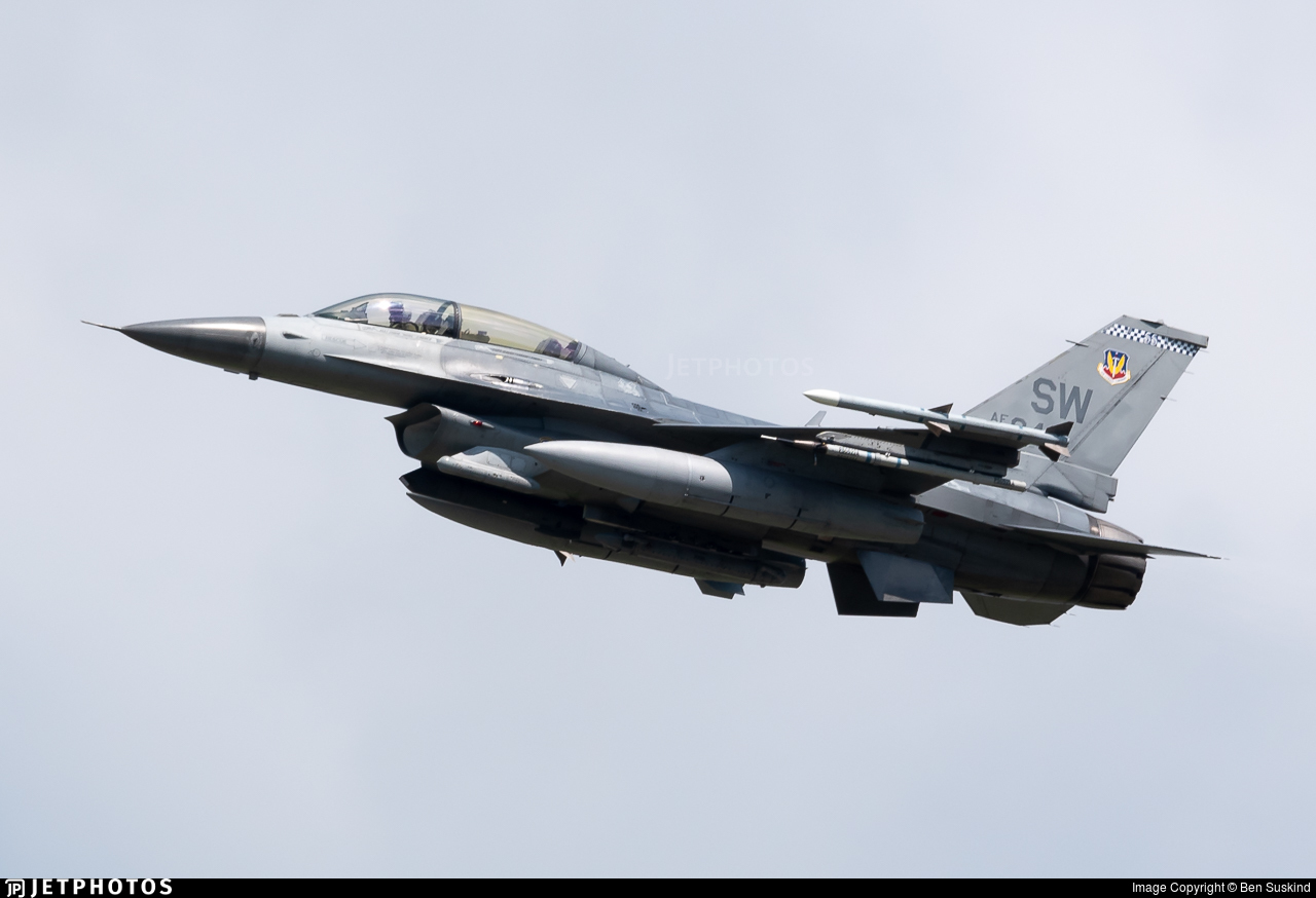 90-0842 - General Dynamics F-16D Fighting Falcon - United States - US Air Force (USAF)