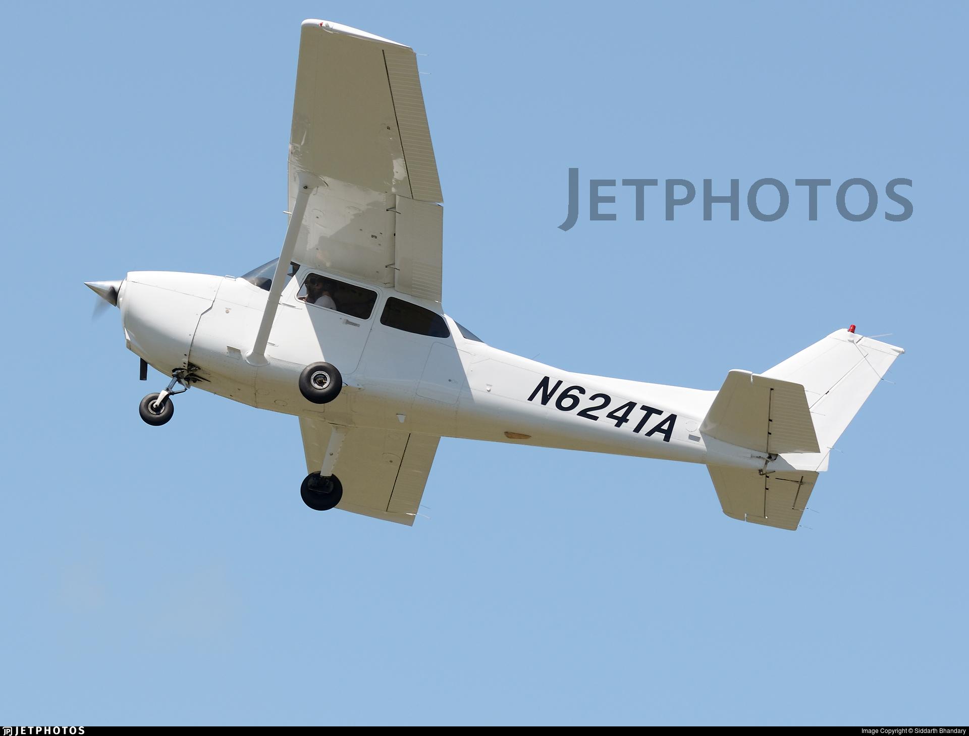 N624TA - Cessna 172S Skyhawk - Private