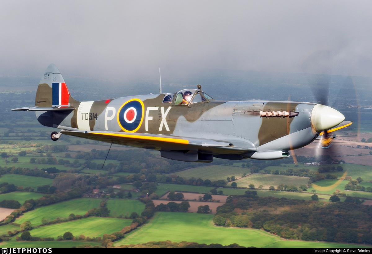 G-CGYJ - Supermarine Spitfire Mk.IX - Private