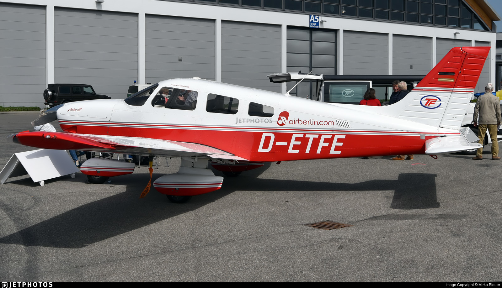 D-ETFE - Piper PA-28-181 Archer III - Air Berlin