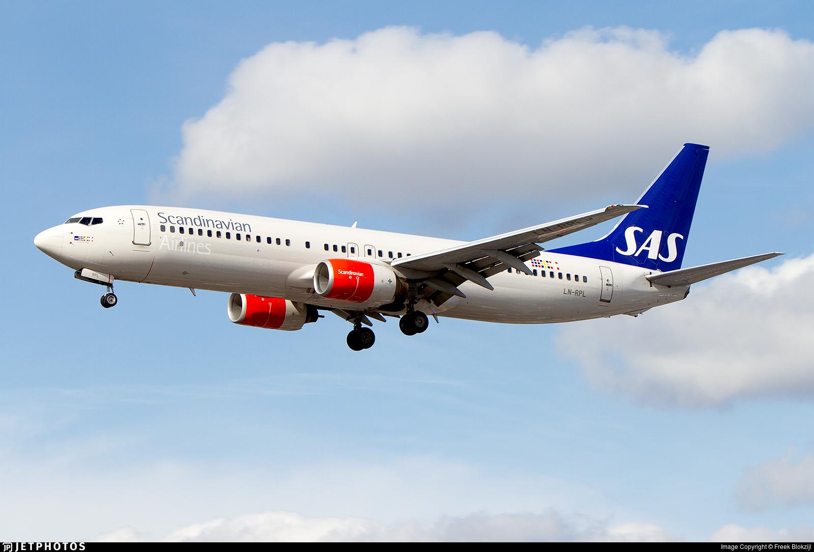 LN-RPL - Boeing 737-883 - Scandinavian Airlines (SAS)