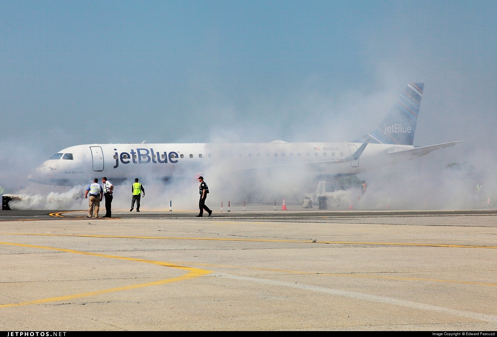 N328JB - Embraer 190-100IGW - jetBlue Airways