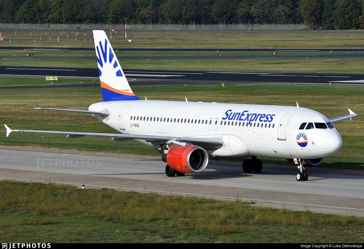 LY-NVS - Airbus A320-214 - SunExpress (Avion Express)