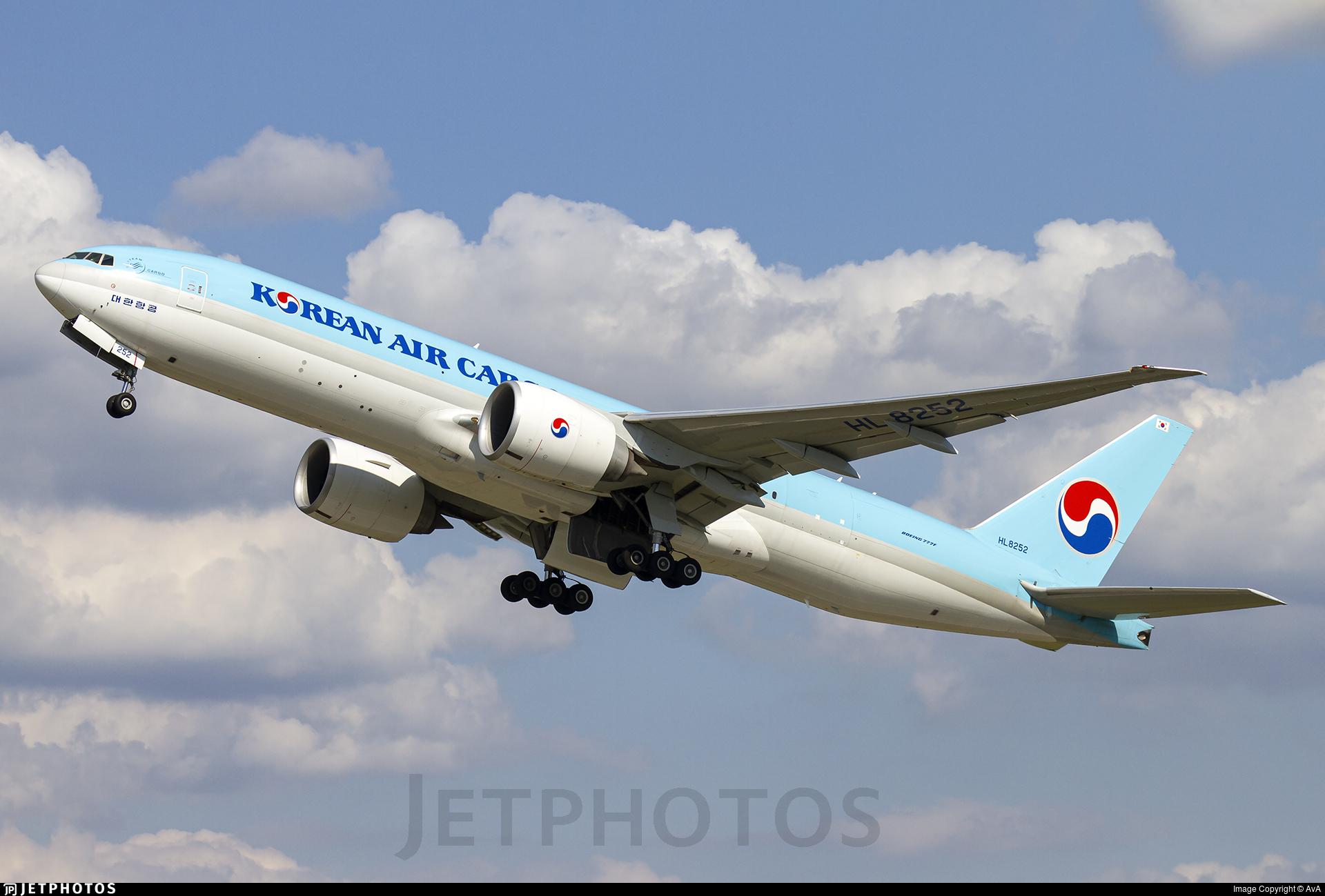 HL8252 - Boeing 777-FB5 - Korean Air Cargo
