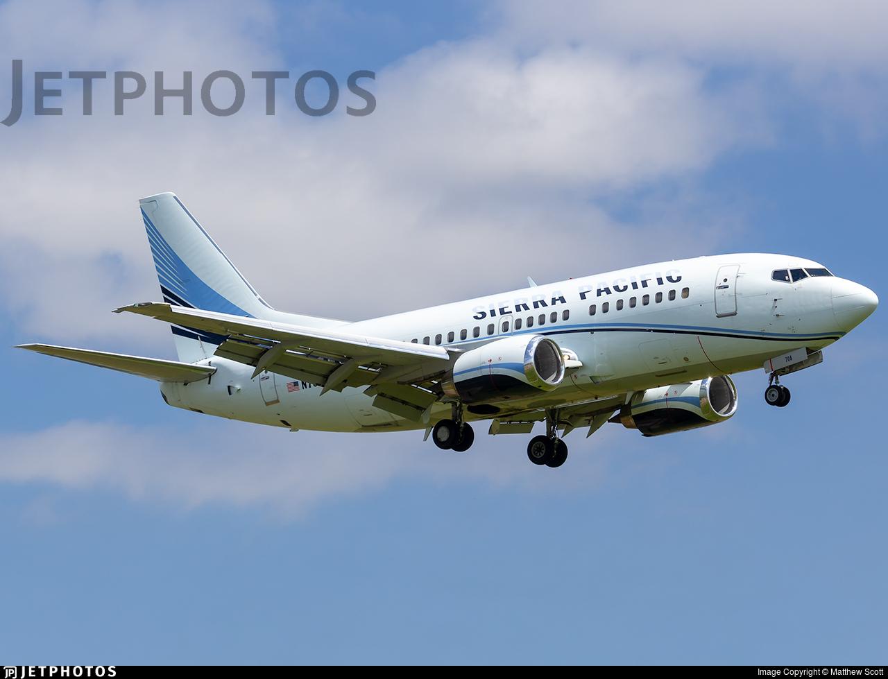 N708S - Boeing 737-528 - Sierra Pacific Airlines