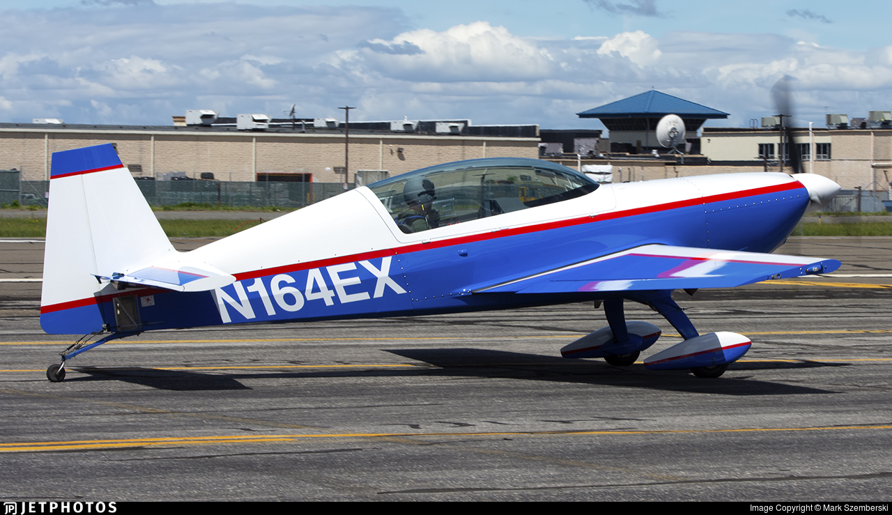 N164EX - Extra EA 300L - Private