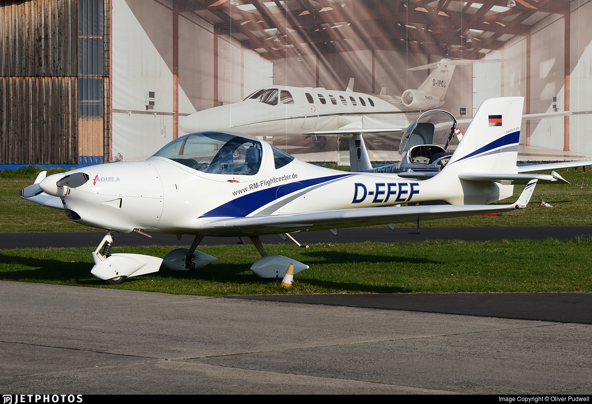 D-EFEF - Aquila A210 - RheinMain Flightcenter GmbH