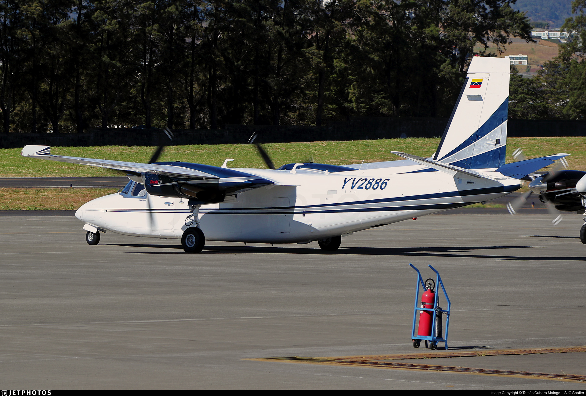 YV2886 - Rockwell 690B Turbo Commander - Private