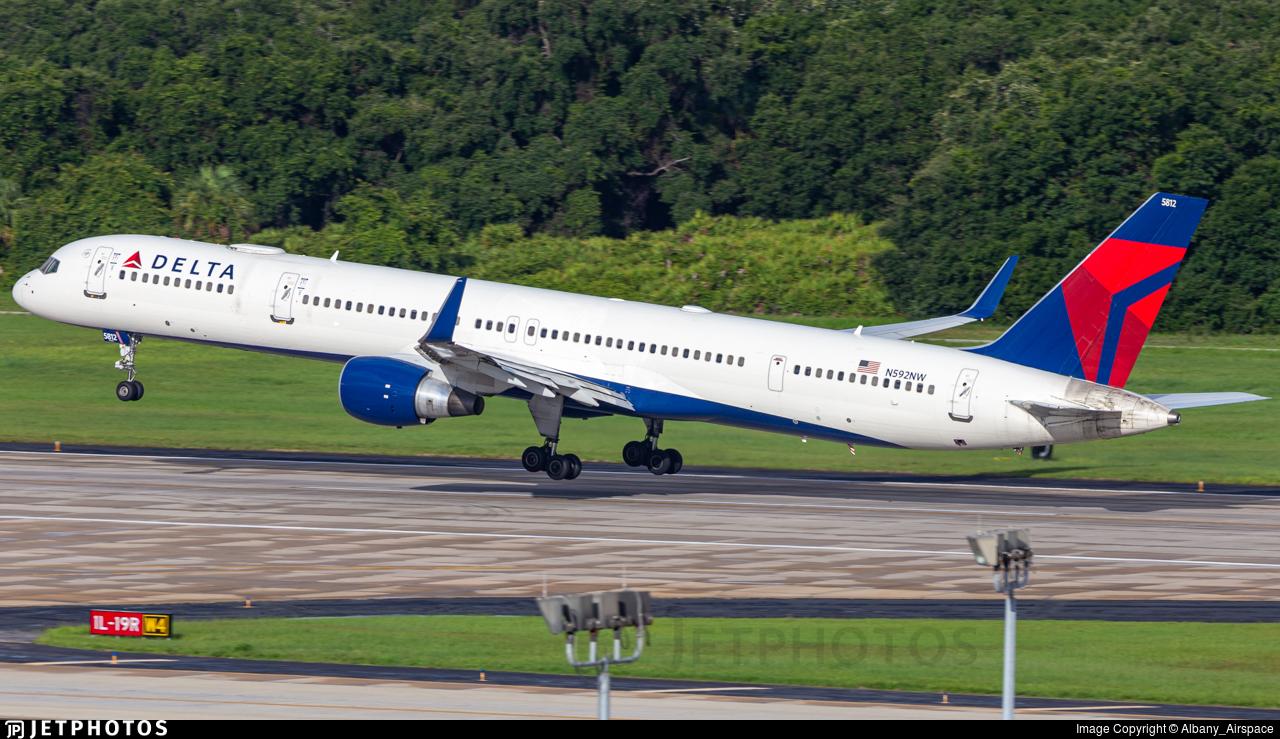 N592NW - Boeing 757-351 - Delta Air Lines
