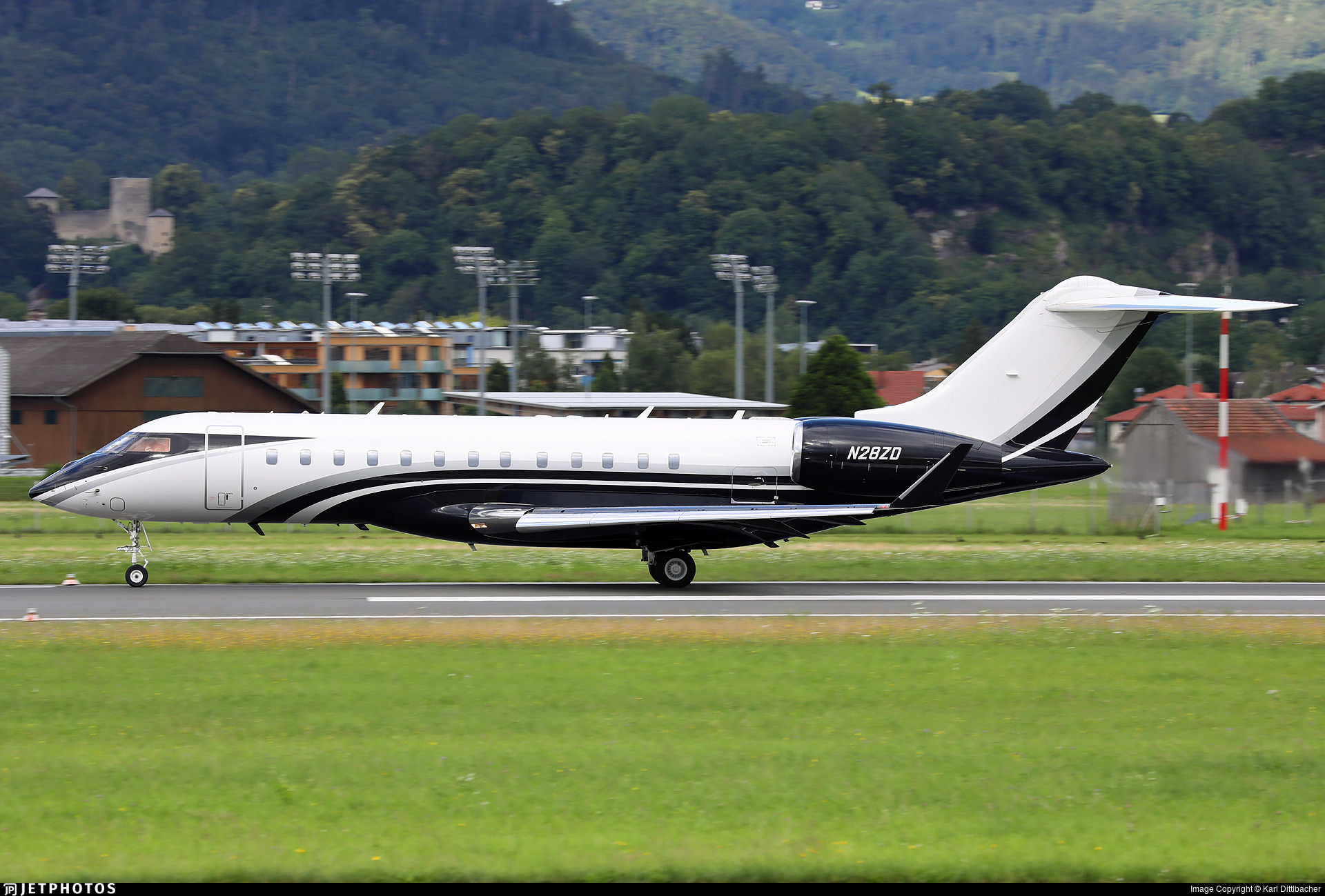 N28ZD - Bombardier BD-700-1A10 Global 6000 - Private