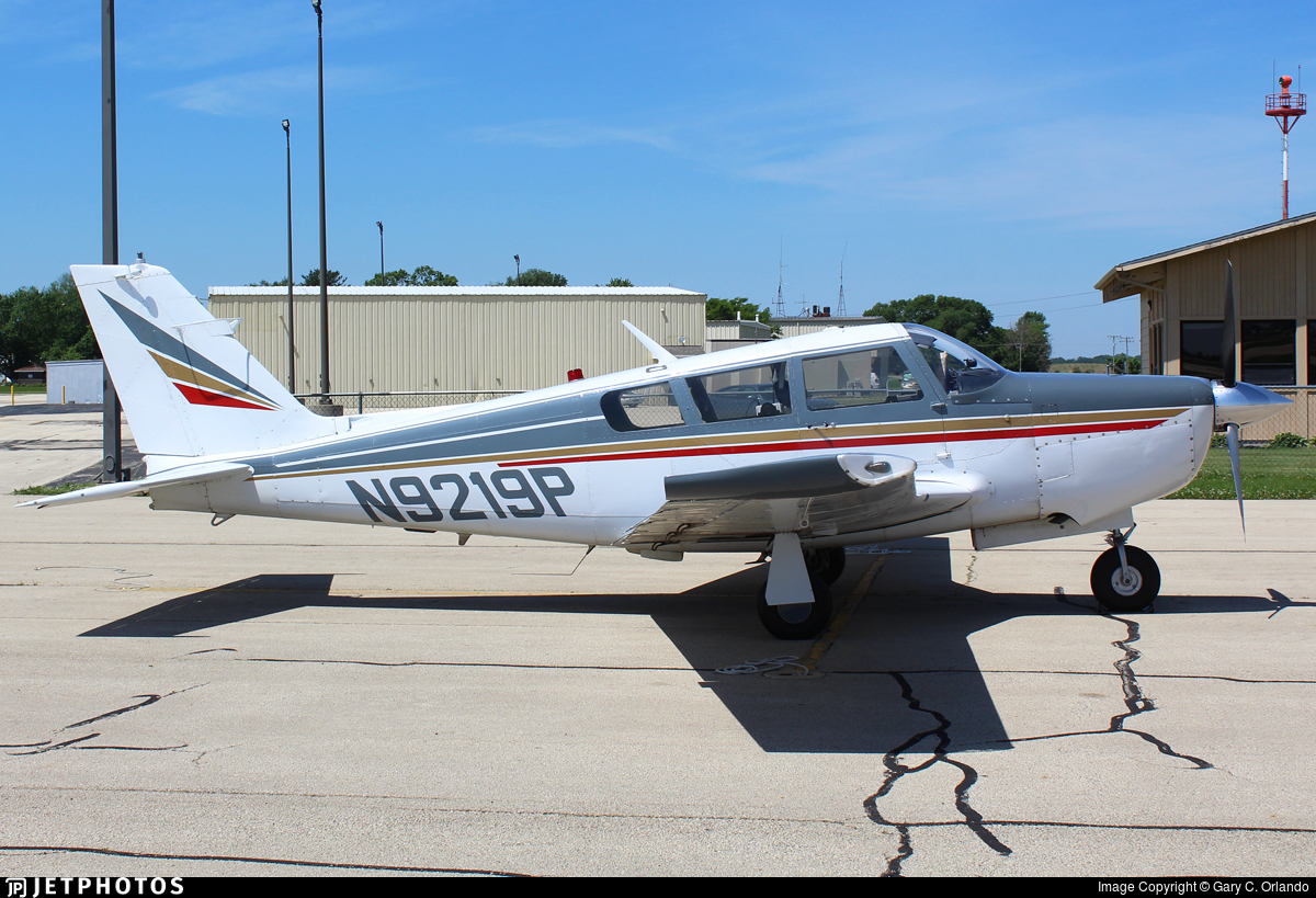 N9219P - Piper PA-24-260 Comanche B - Private