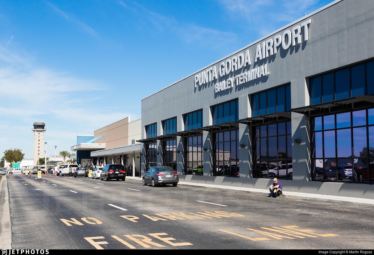 KPGD - Airport - Terminal