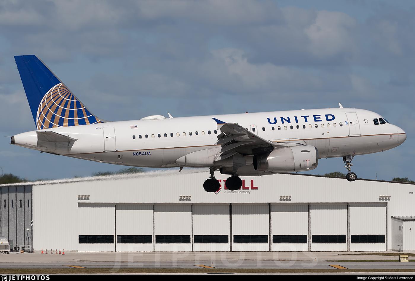 N854UA - Airbus A319-131 - United Airlines