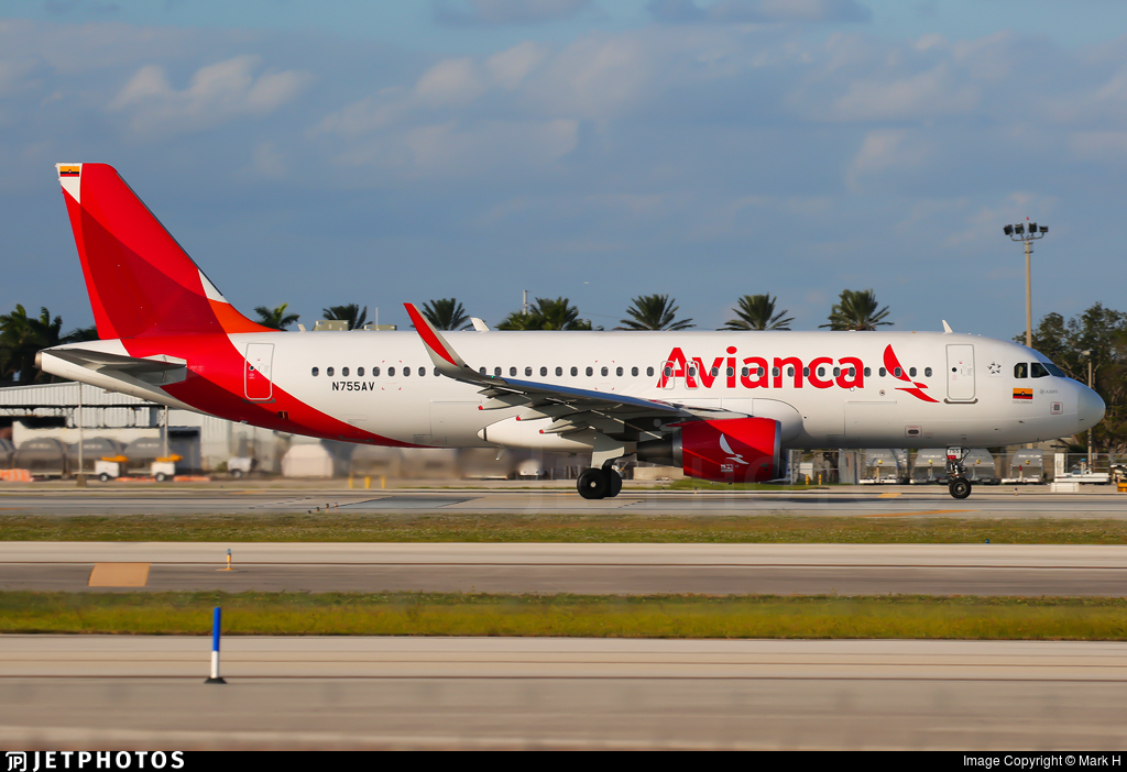 N755AV - Airbus A320-214 - Avianca