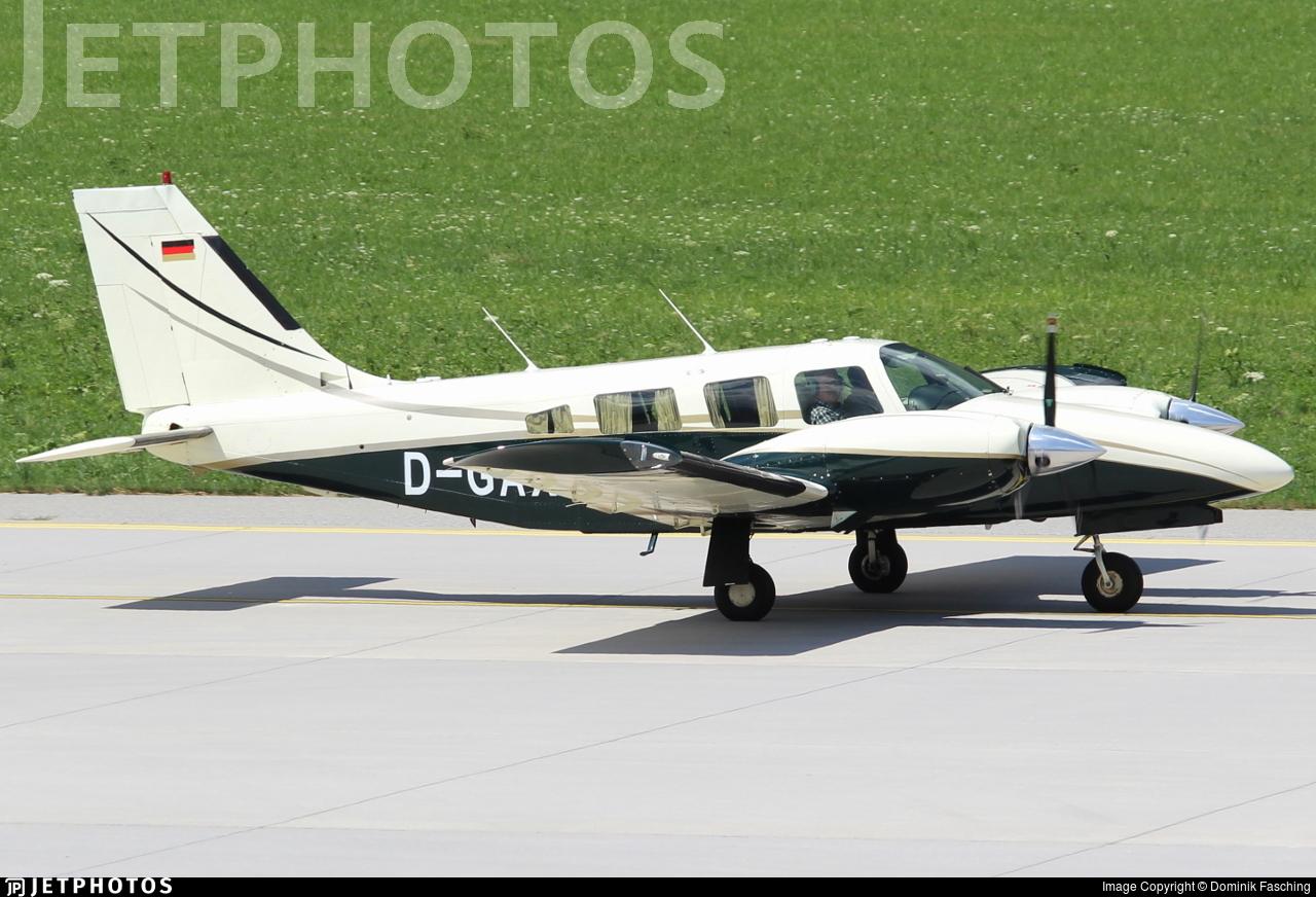 D-GAXS - Piper PA-34-220T Seneca III - Private