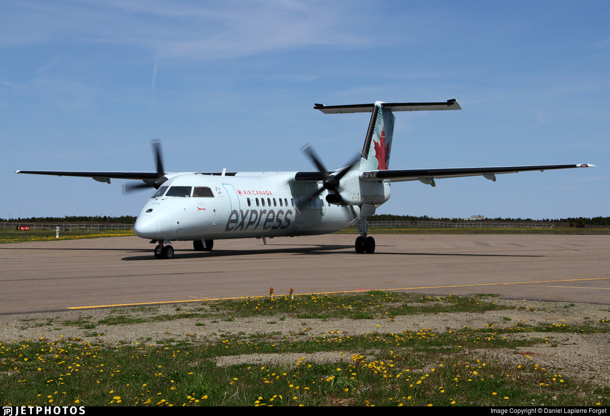 C-FTAK - Bombardier Dash 8-311 - Air Canada Express (Jazz Aviation)
