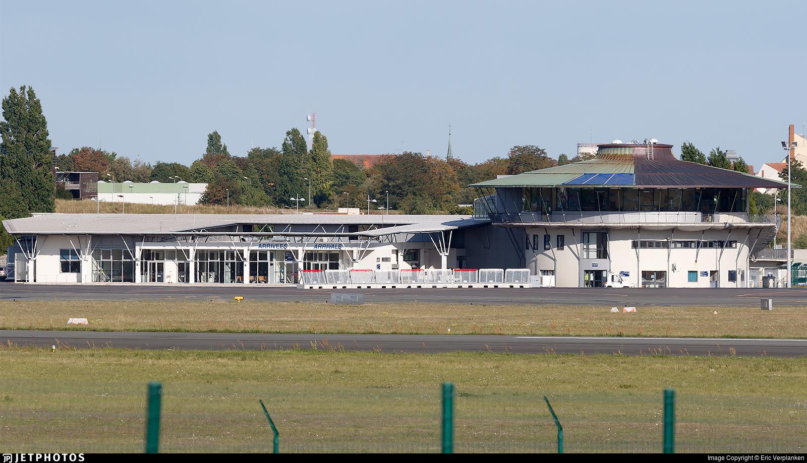 LFBI - Airport - Terminal