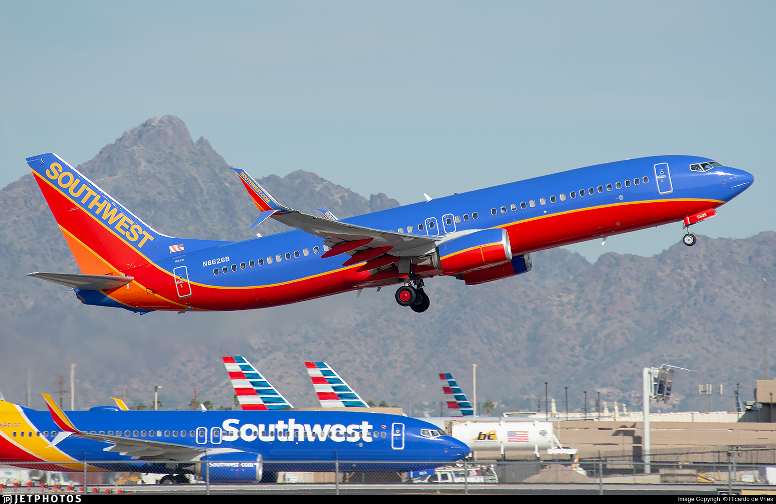 N8626B - Boeing 737-8H4 - Southwest Airlines