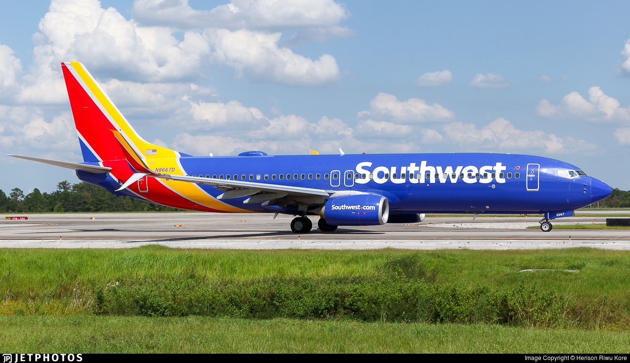 N8667D - Boeing 737-8H4 - Southwest Airlines