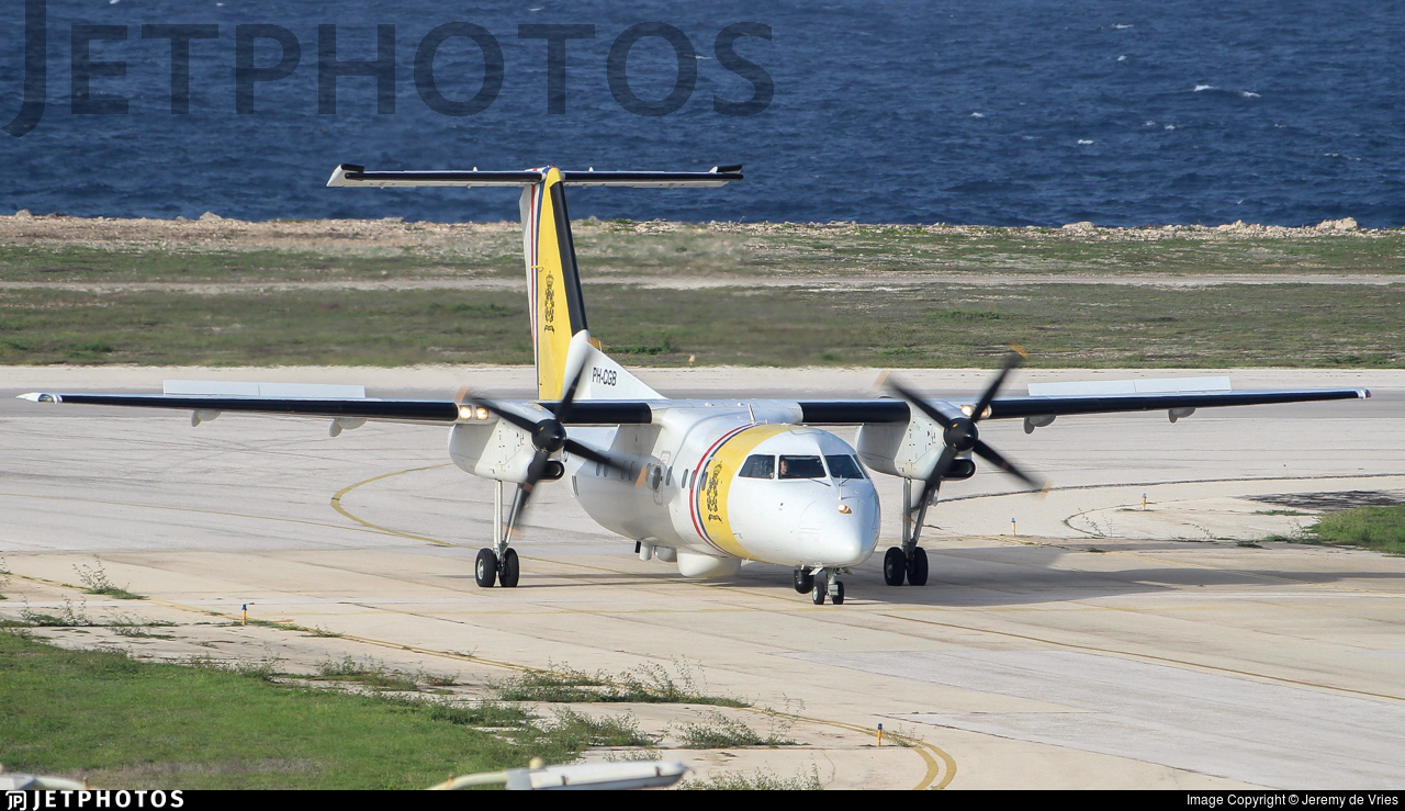PH-CGB - Bombardier Dash 8-106 - Netherlands Antilles - Coast Guard