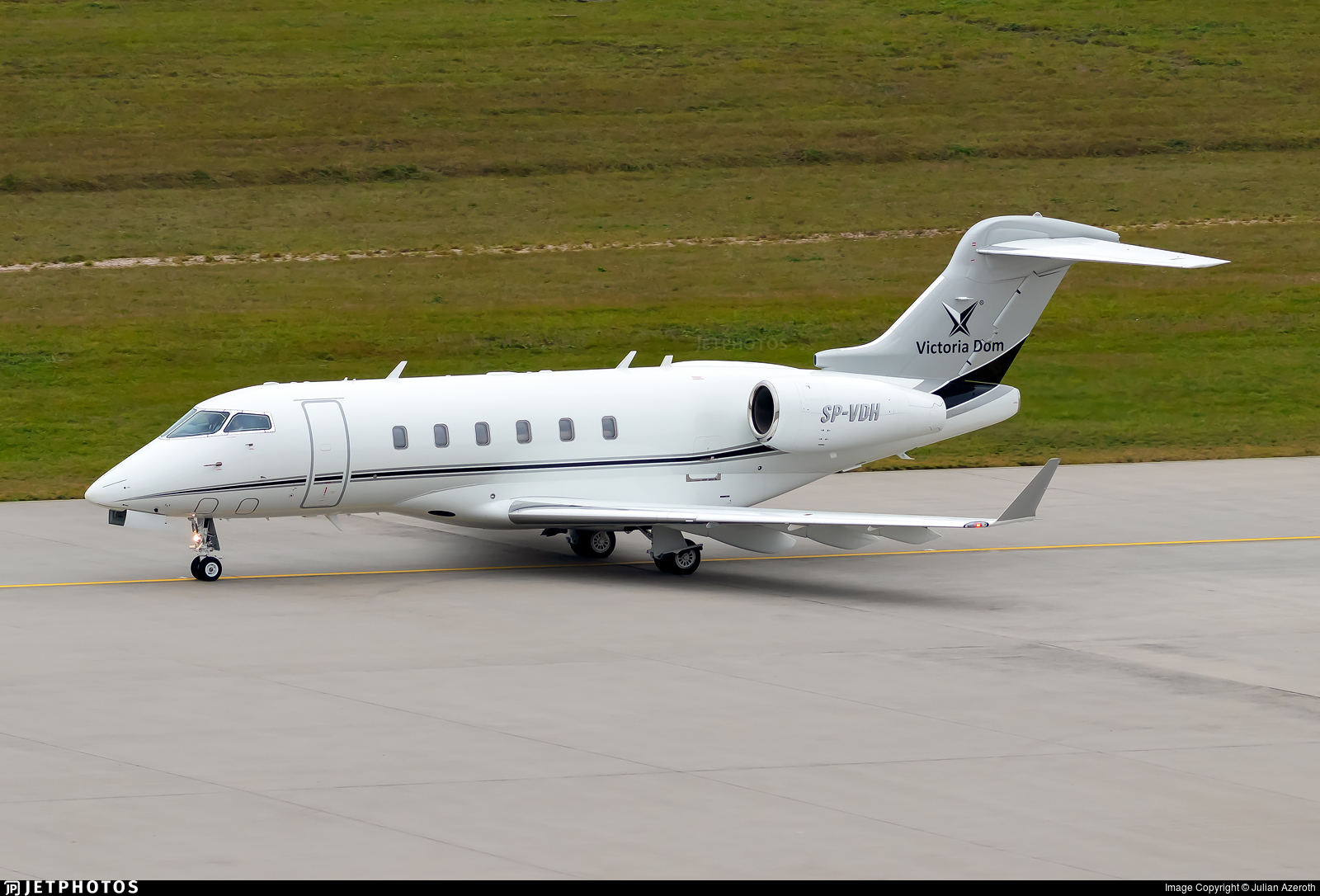 SP-VDH - Bombardier BD-100-1A10 Challenger 300 - AMC Aviation