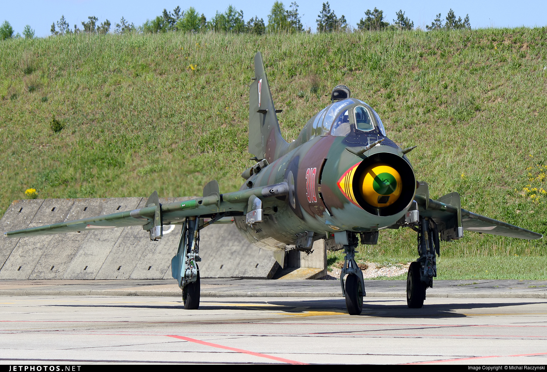 310 - Sukhoi Su-22UM3K Fitter G - Poland - Air Force
