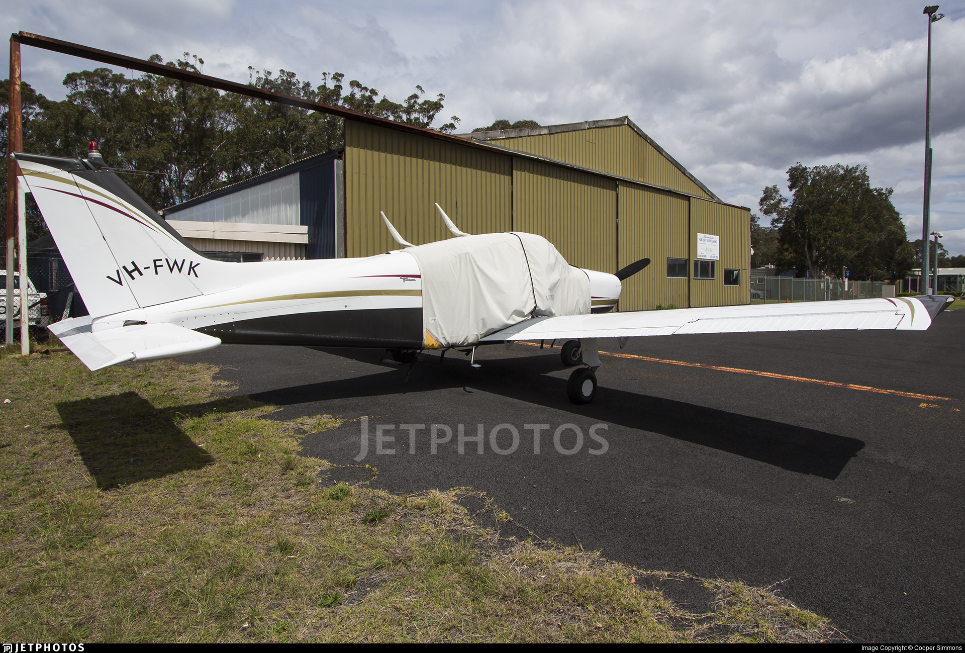 VH-FWK - Beechcraft A23-24 Musketeer Super III - Private