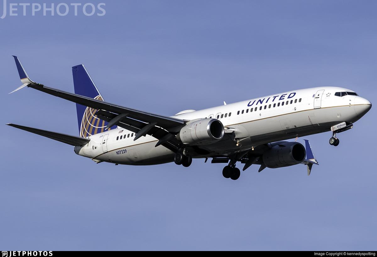 N17229 - Boeing 737-824 - United Airlines