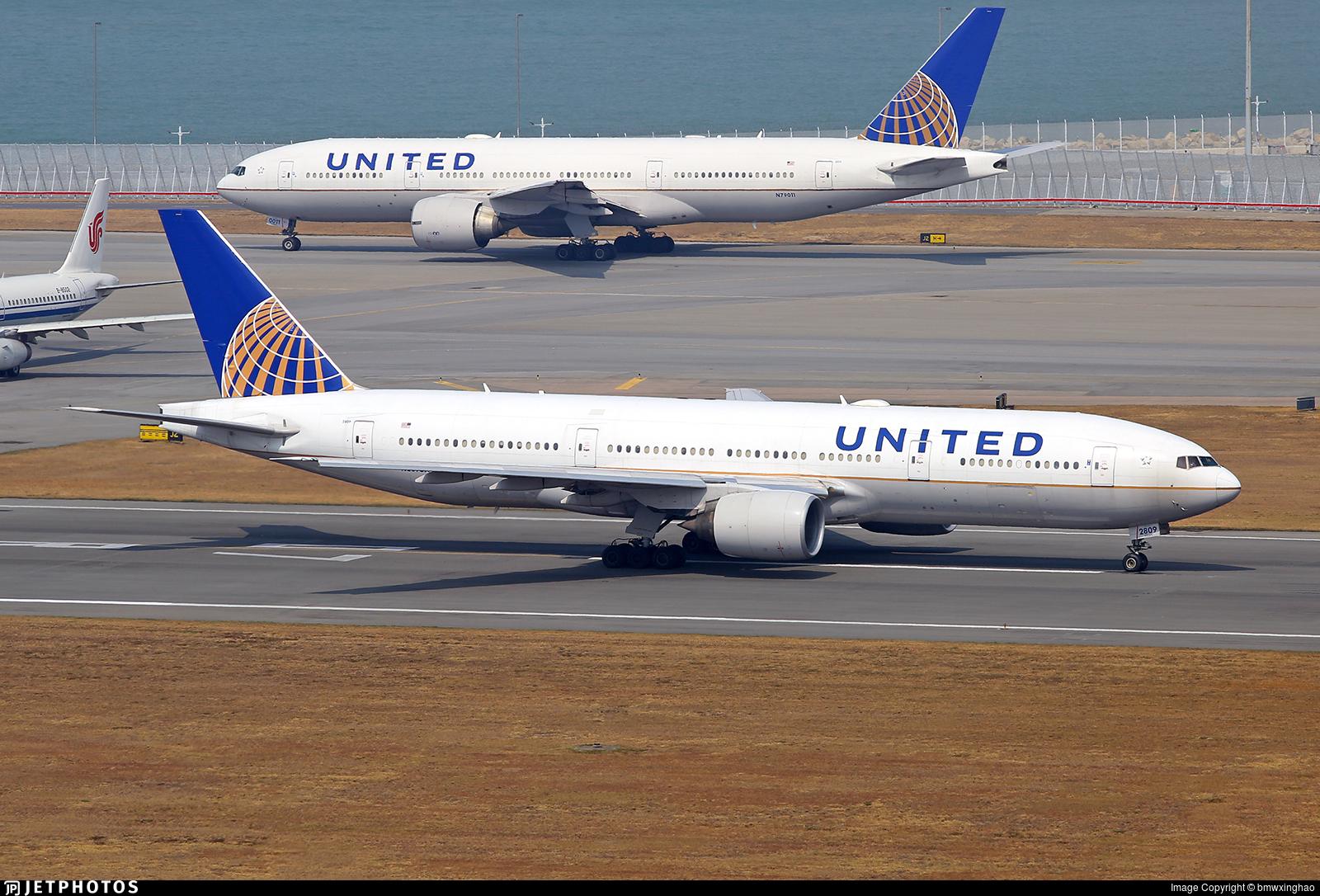 N209UA - Boeing 777-222(ER) - United Airlines