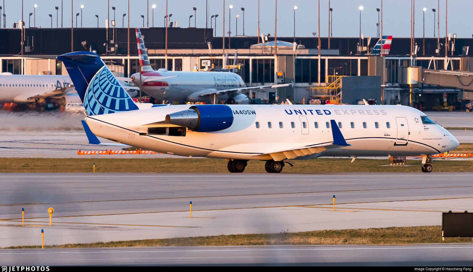 N440SW - Bombardier CRJ-200LR - United Express (SkyWest Airlines)