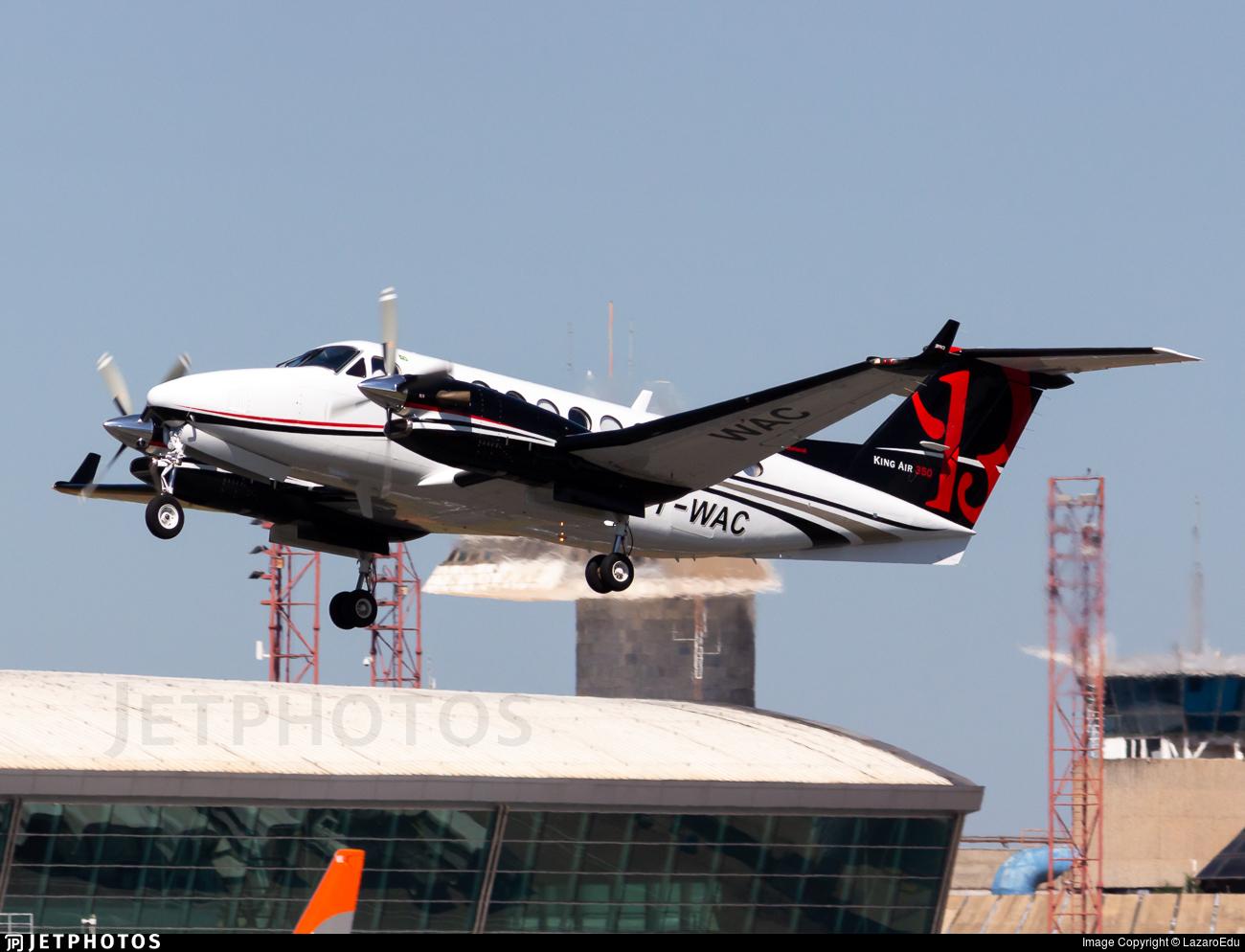 PT-WAC - Beechcraft B300 King Air 350 - Private