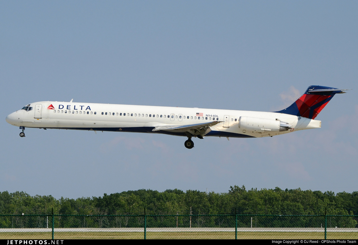 N944DL - McDonnell Douglas MD-88 - Delta Air Lines