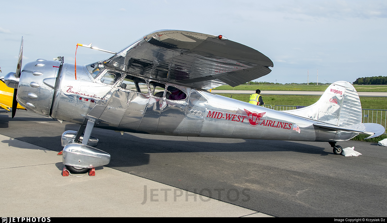 N195RS - Cessna 195A - Private