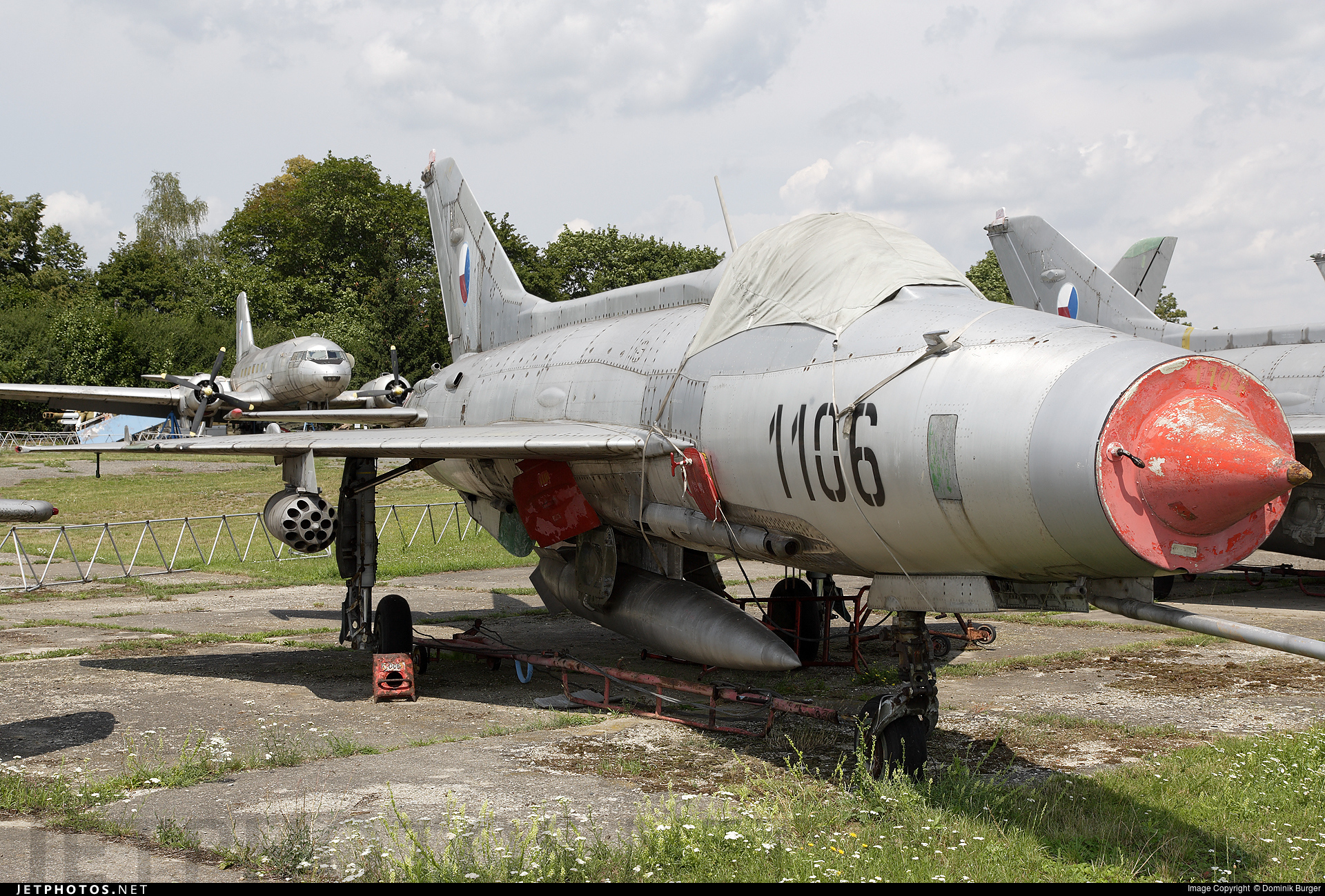 1106 - Mikoyan-Gurevich MiG-21F-13 Fishbed C - Czechoslovakia - Air Force