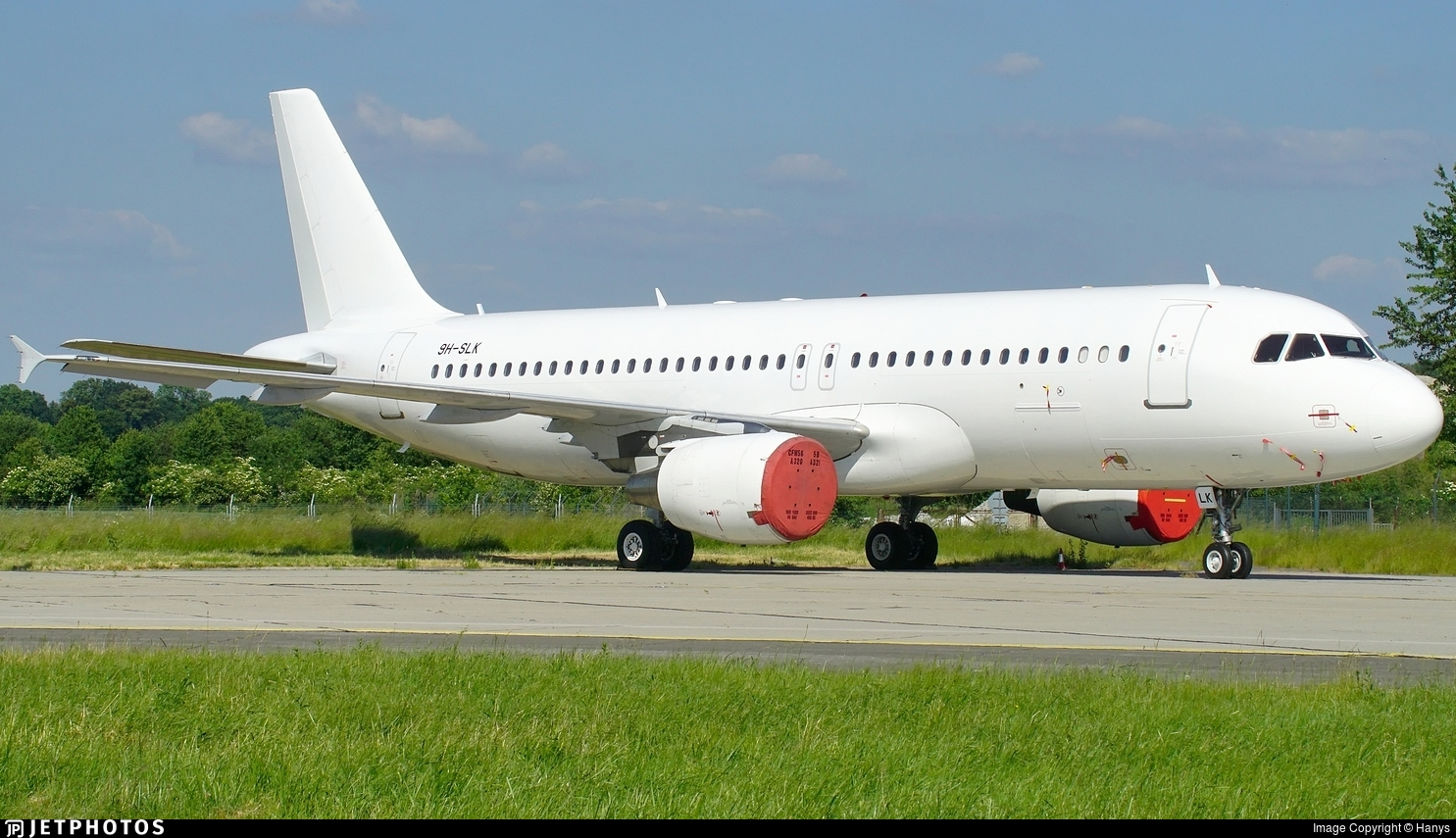 9H-SLK - Airbus A320-214 - Untitled