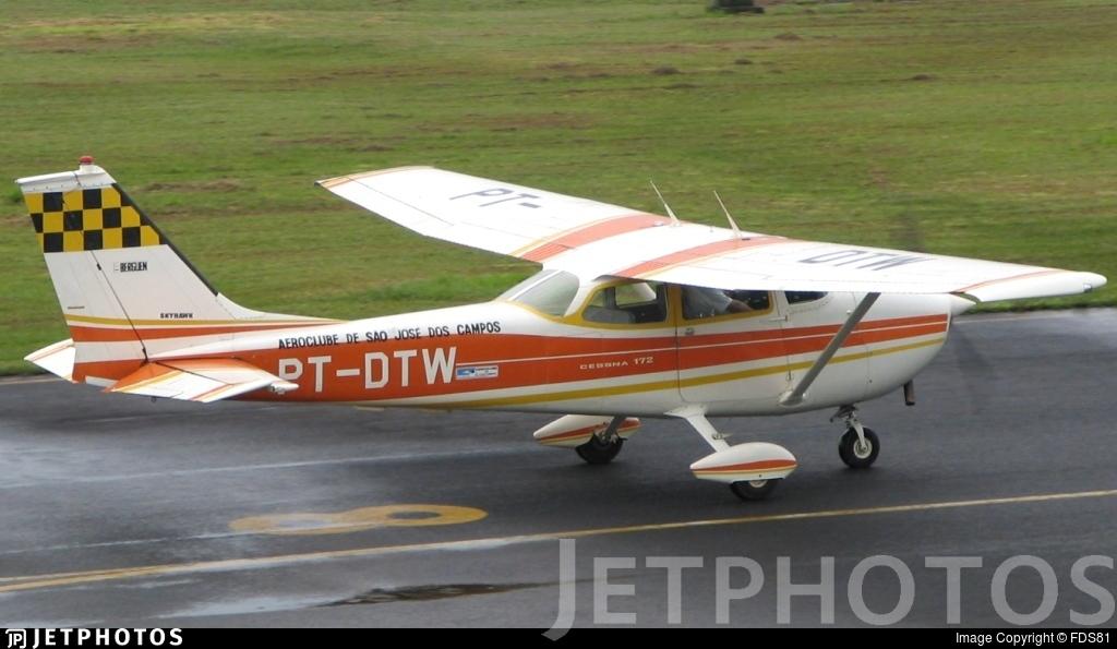 PT-DTW - Cessna 172L Skyhawk - Aeroclube de São José dos Campos