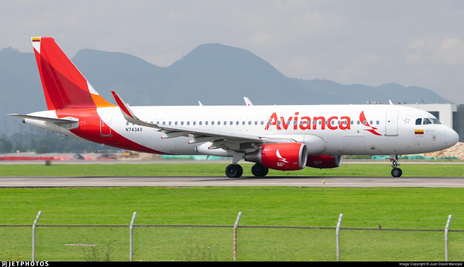 N743AV - Airbus A320-214 - Avianca
