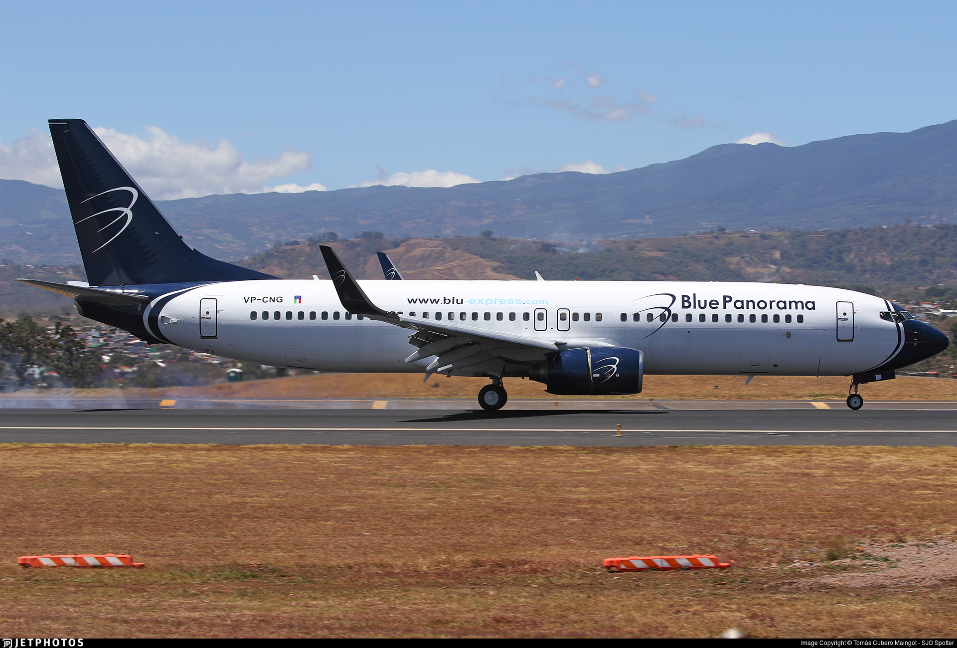 VP-CNG - Boeing 737-86Q - Blue Panorama Airlines