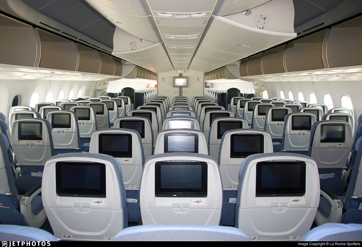 Boeing 787 dreamliner air europa interior for Air europa oficinas en madrid